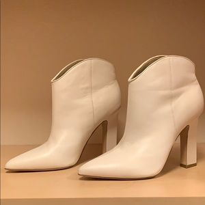 MARC FISHER Mella Pointy Toe Bootie - Ivory 8.5